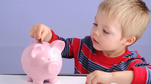 Выплаты за третьего ребенка в 2020 году: пособие по уходу до 3 лет, ипотека и льготы от государства при рождении